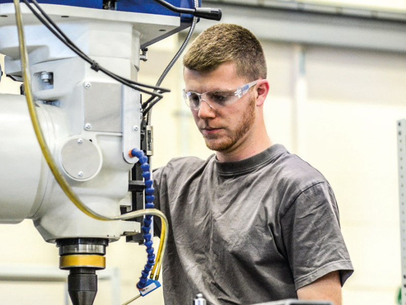 Apprenticeships And Its Benefits In Engineering